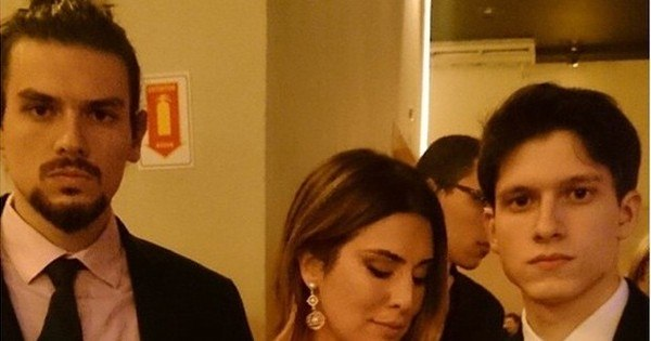 Vai casar? Fernanda Paes Leme pega buquê de noiva - Fotos - R7 ...