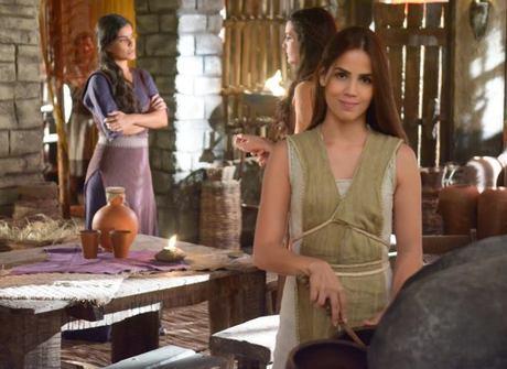 Pérola Faria surge como Deborah na terceira fase da superprodução