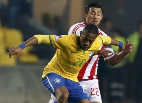 Jornal escala Robinho na lista dos jogadores mais supervalorizados