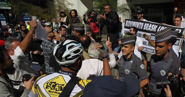 Ciclovia da Paulista: inauguração atrai cerca de 2.000 ciclistas e ...