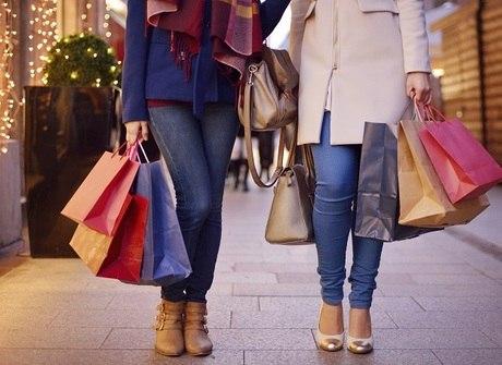 Veja dez dicas para não se render ao consumismo com promoções