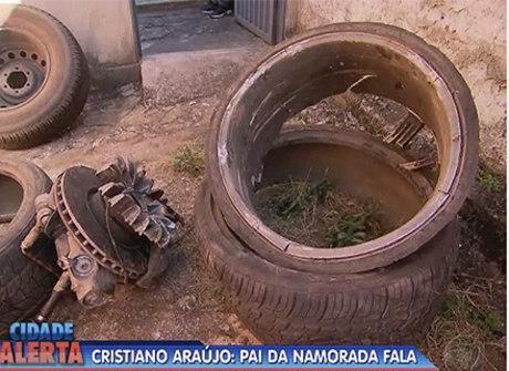 Roda do carro de Cristiano Araújo passou por outras 2 pessoas