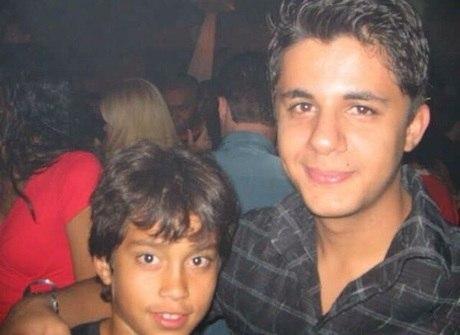 Amigo do sertanejo mostra fotos inéditas da adolescência do cantor