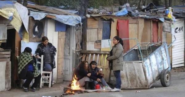 Pobreza na Argentina já atinge 28,7% da população, segundo ...