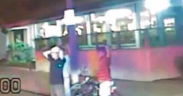 Violência policial: vídeo mostra oficial matando a tiros suspeito ...