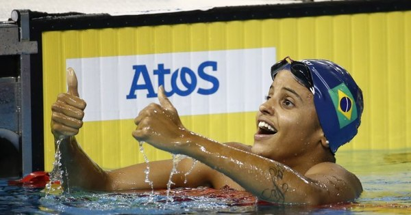 Etiene Medeiros conquista primeiro ouro feminino do Brasil na ...