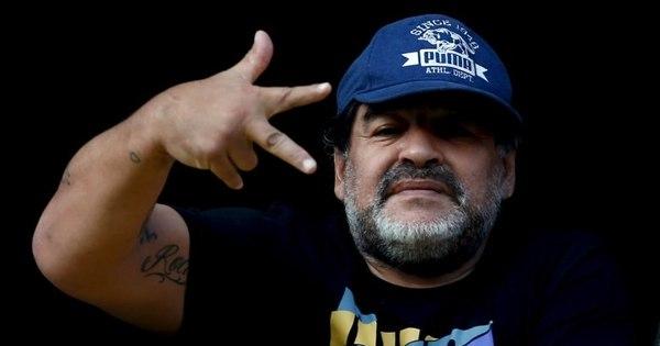 Diego Maradona diz que 'daria um braço' para jogar ao lado de ...