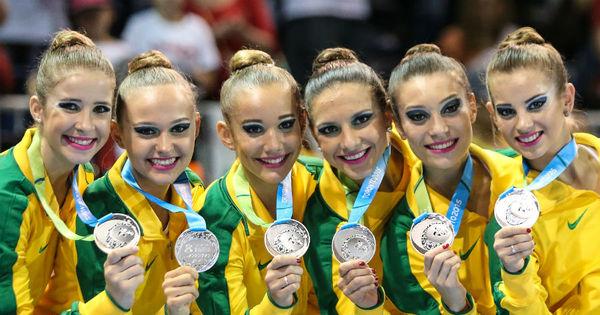 Com prata, Brasil leva terceira medalha por equipes na ginástica ...