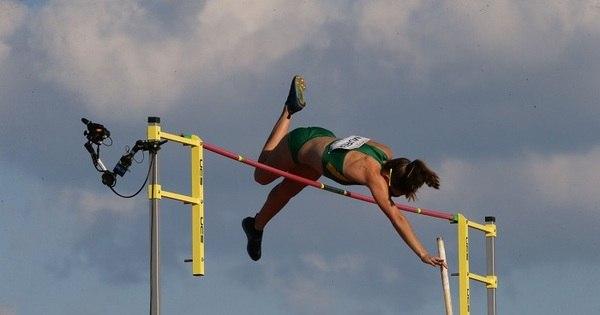 Fabiana Murer perde para rival cubana, mas garante prata do salto ...