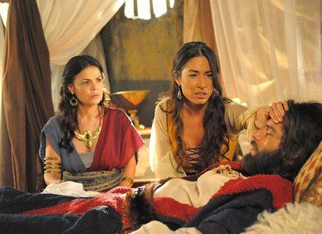 Zípora encoraja seu filho a fazer circuncisão para salvar Moisés