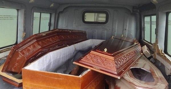 Indigentes de São Paulo são enterrados nus e em caixões abertos ...