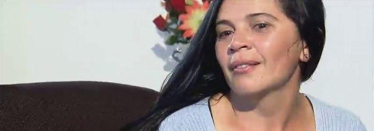 Mãe quer vender o cabelo para rever o filho