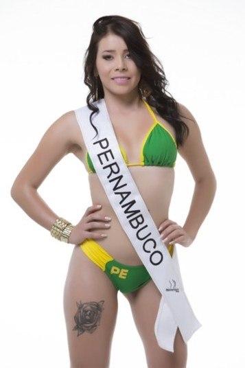 Débora Bindur, representante de Pernambuco, ficou em terceiro lugar na votação popularCandidatas ao Miss Bumbum 2015 visitam redação do R7