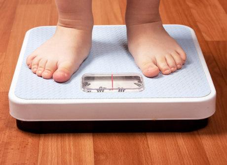 Ajude o seu pequeno a enfrentar a obesidade infantil de maneira leve