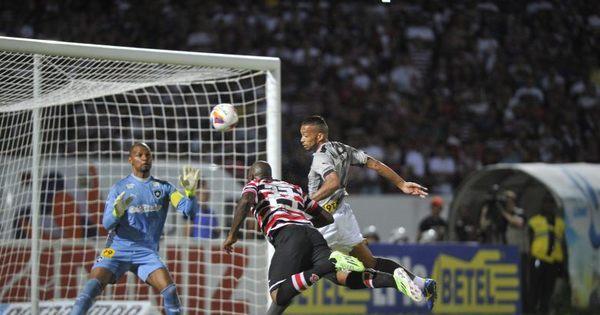 Grafite estreia pelo Santa Cruz com gol e vitória sobre o Botafogo ...