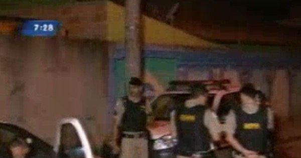 Militar é morto a tiros em suposto assalto em Ribeirão das Neves (MG)