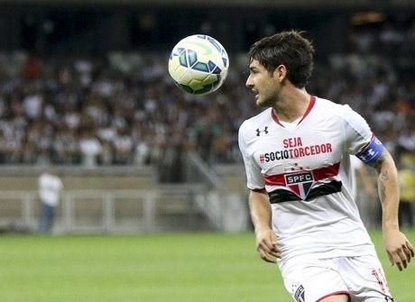 São Paulo bate o pé por cláusula<br />e promete &quot;queda de braço&quot;