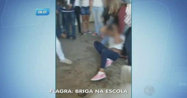 Pancadaria dentro de escola vira caso de polícia - Fotos - R7 São ...