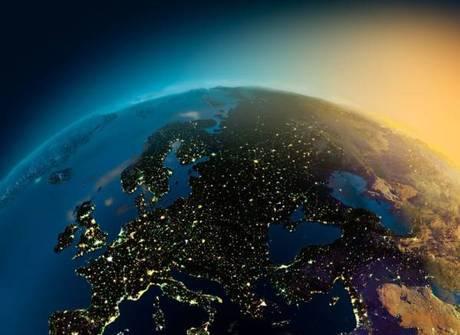 Incrível! Astronautas capturam lindas imagens da noite na Terra