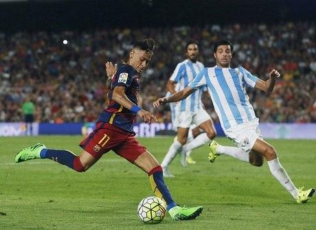 Neymar volta após caxumba e Barcelona vence pelo Espanhol