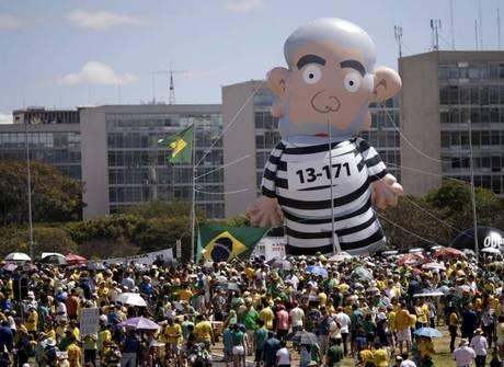 Veja por onde o &#x27;Lula inflável&#x27;<br />já passou nos últimos dias