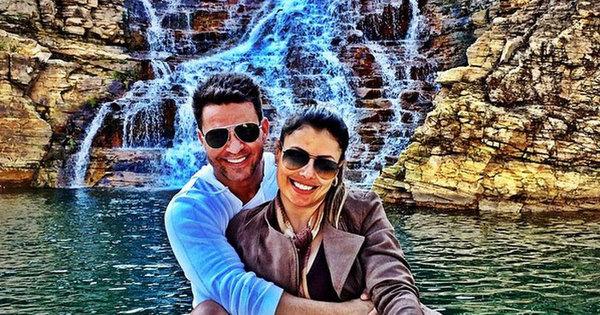 """Eduardo Costa anuncia que está casado e completa: """"Deixando ..."""