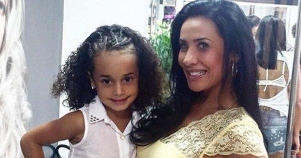 Aos 41 anos, Scheila Carvalho revela desejo de ser mãe novamente