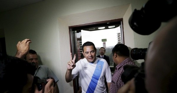 Comediante vence 1º turno de eleições na Guatemala - Notícias ...