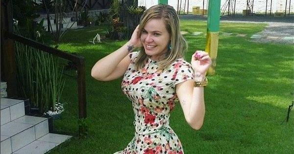 Com 44 kg a menos, Paulinha Leite mostra cinturinha de pilão ...