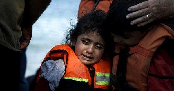Quatro bebês e outras onze crianças estão entre os mortos em ...