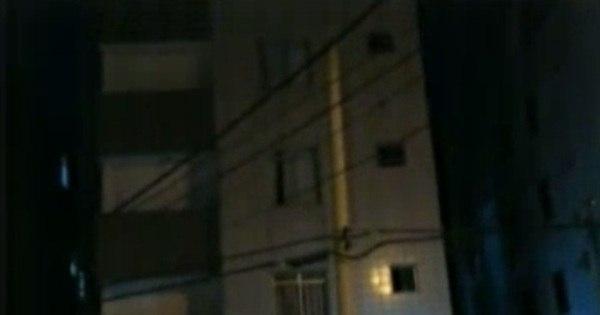 Risco de desabamento faz moradores deixarem prédio em Contagem
