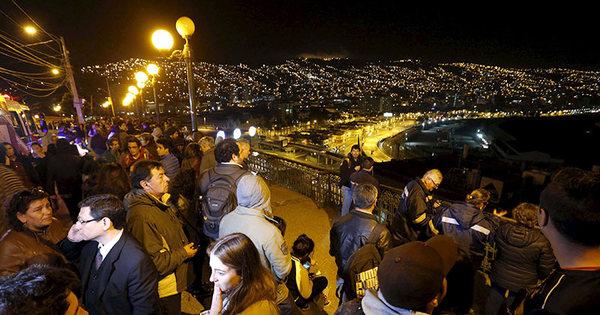 Chile sofre terremoto e emite alerta de tsunami. SP sente tremor ...