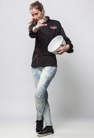 """A paulistana Bruna Monari tem 34 anos""""Sou fã do Buddy Valastro e quero sair doBatalha dos Confeiteiros Brasilum confeiteiro melhor. Quero aprender bastante.""""Ponto positivo: paciênciaPonto negativo: sou teimosa/cabeça dura+ Buddy Valastro faz bolos tão incríveis que dá até dó de comer! Confira as criações do confeiteiro> Acesse o R7 Play e assista na íntegra a todos os programas da Record! Clique e experimente!"""