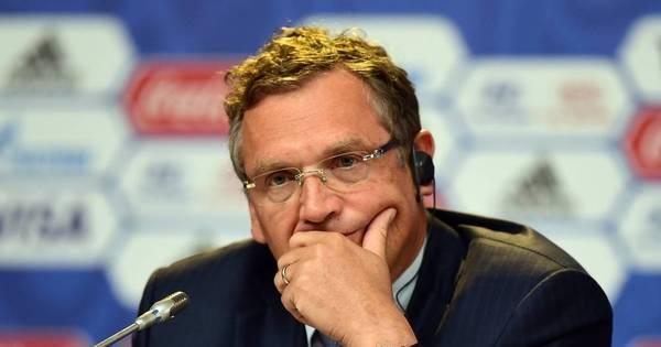 Jérome Valcke leva chute no traseiro da Fifa - Esportes - R7 Futebol