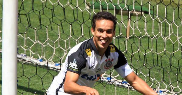 Após marcar dois, Jadson exalta o Corinthians e corneta ' chororô ...