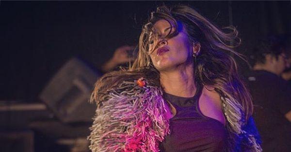 Cantora Alinne Rosa faz show em circo na Paralela - Notícias - R7 ...