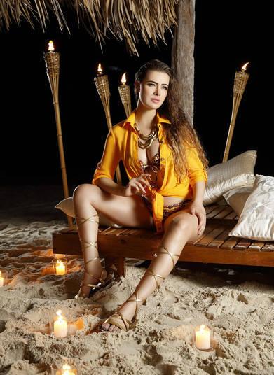 A participação da modelo foi confirmada no programa Xuxa Meneghel. Durante a entrevista ela comentou sobre possíveis paqueras.— Eu não quero ver homem tão cedo