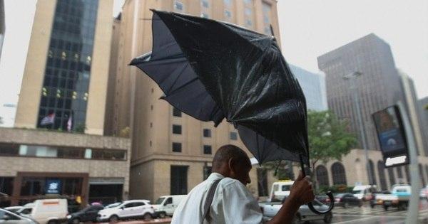 Chuva deixa toda capital paulista em estado de atenção - Notícias ...