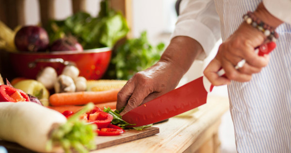 Troque o sal por limão, alho e cebola e deixe o prato mais saudável ...