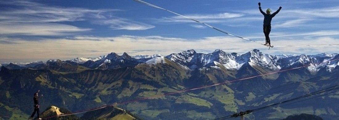Slackline nas montanhas! Evento reúne atletas na Suíça