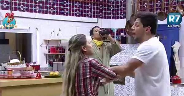 Peões brincam sobre o suposto relacionamento entre Ana Paula ...