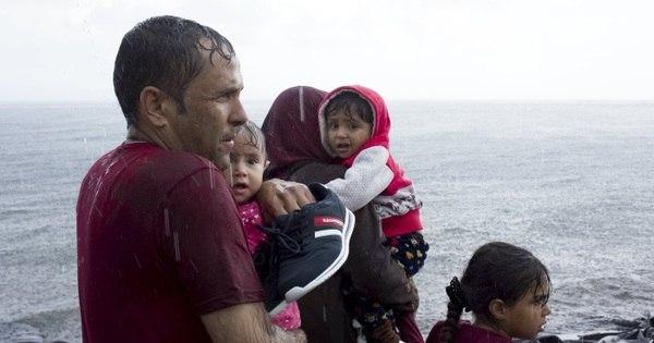 Europa já recebeu mais de 500 mil refugiados este ano - Notícias ...