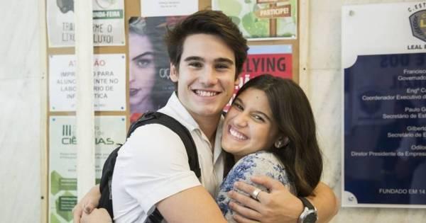 Ex- namorado de Lívian Aragão se aproxima de Giulia Costa em ...