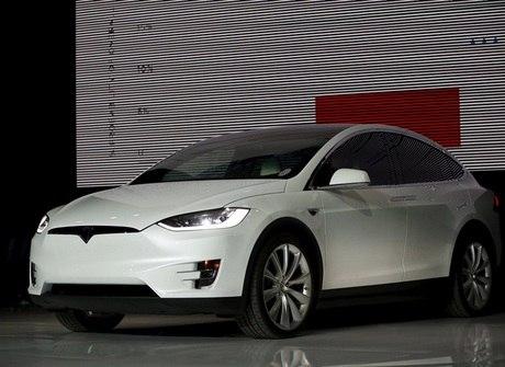 Tesla Model X tem ar-condicionado que anula até armas biológicas