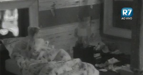 Veridiana e Marcelo terminam a noite embaixo do edredom