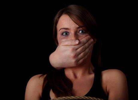 Mulher relata o drama que sofreu depois de ser vítima de estupro
