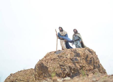 Moisés e Arão invocam 7ª praga<br />e grande tempestade se forma