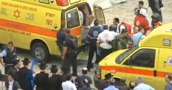 Incentivados por grupos terroristas, jovens palestinos atacam civis ...
