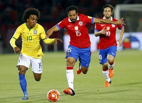 Willian se salva, mas Oscar afunda o Brasil na derrota para o Chile