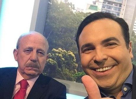 Reinaldo Gottino descobre que Lombardi tem bigode há 30 anos